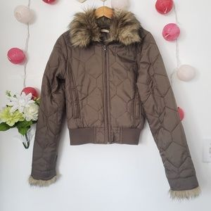 FOREVER 21 puffer faux fur jacket M